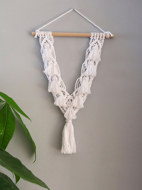 SMALL TASSLE WALL HANGING