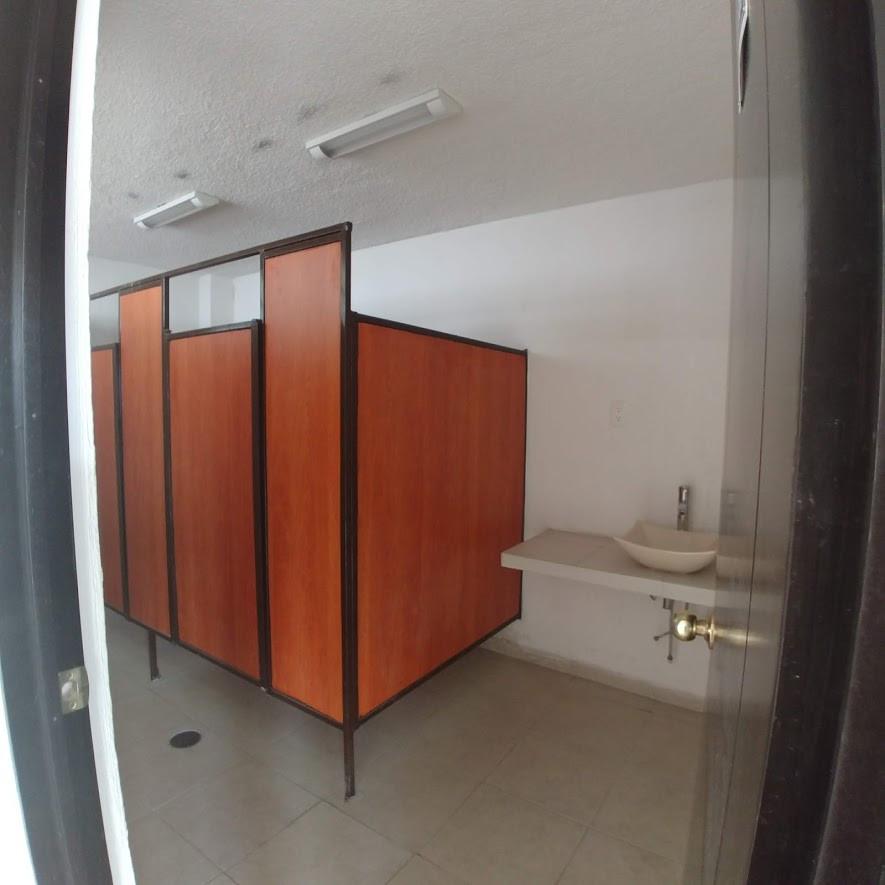 Show Room4