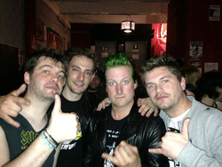 2015-10-09 00_50_54-THE CROOKS LIVE A MILANO CON I GREEN DAY.doc (Protected View) - Microsoft Word