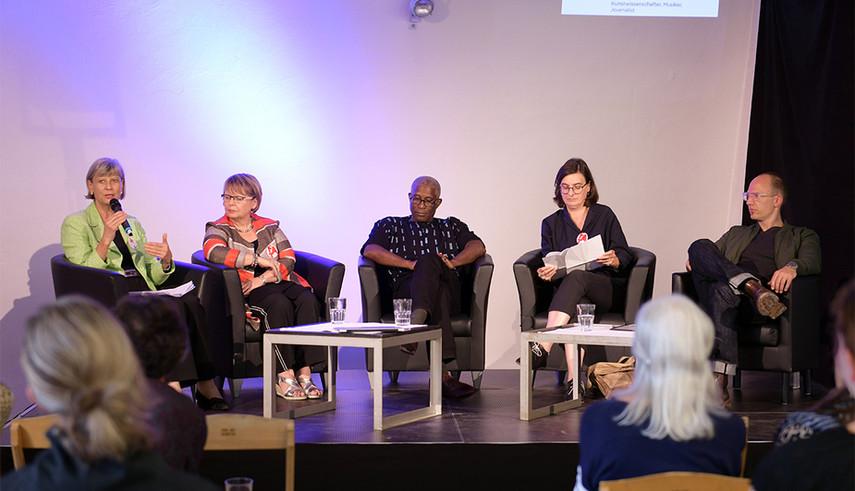 Lectures & panel discussions (from left to right) Renate Schubert, Petra Rohner, Mark Damon Harvey, Elisabeth Eberle, Jörg Scheller