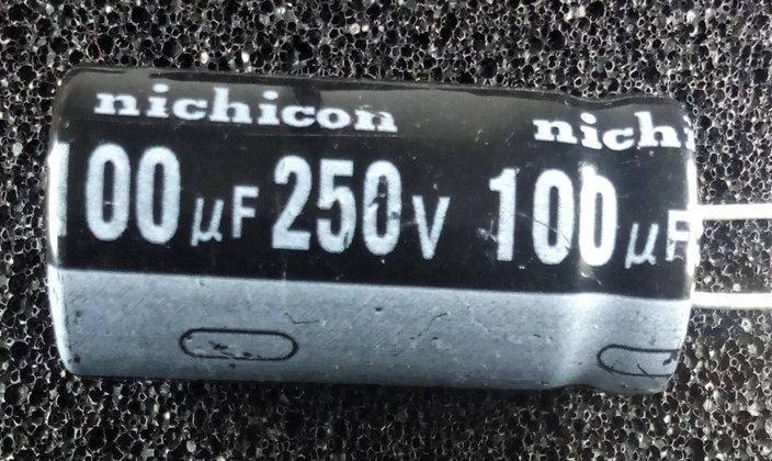 100mF 250V     Negro