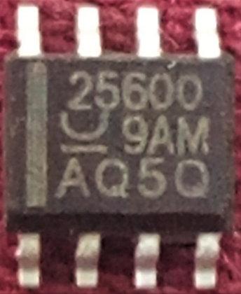 25600