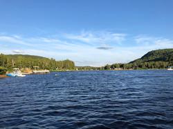 Magnifique grand lac de 4 km de long