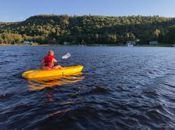 Kayak pour enfant durant l'été