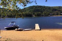Plage l'été - Nous prêtons gratuitement un canot, deux kayaks et un pédalo.