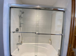 Salle de bain à l'étage avec un bain-douche