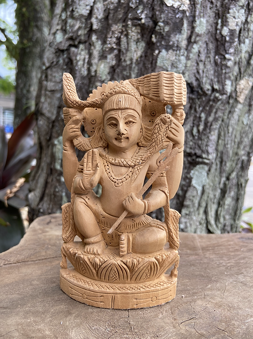Estátua de Shiva em Madeira
