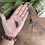 Thumbnail: Pingente de Vassoura de Bruxa Dourado