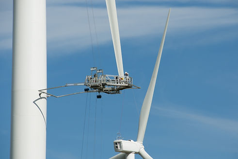 Wind%20Turbine%20Blade%20Repair_edited.j