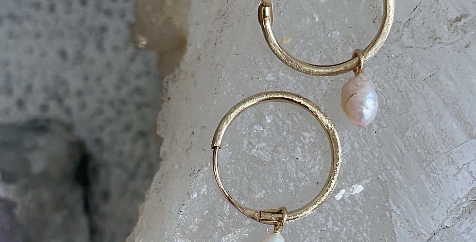 Magpie collection:  9k Gold and natural pearl earrings