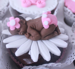 Girl baby shower cupcake