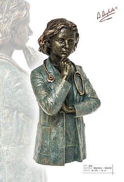 Escultura Doctora - A. Anglada