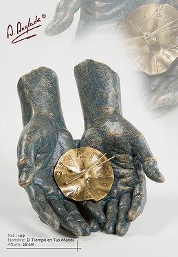 Escultura El tiempo en tus manos - A. Anglada