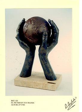 Escultura El Mundo en tus manos - A. Anglada
