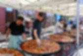 Traditionnelle paella lors de la Traversée de Paris et des Hauts-de-Seine, France