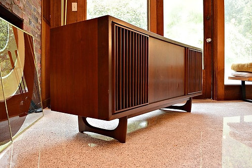 Mid Century RCA Victor Bluetooth Stereo Console/Credenza
