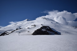 Эльбрус с юга летом