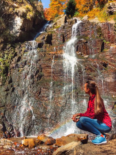 В парке водопадов Менделиха