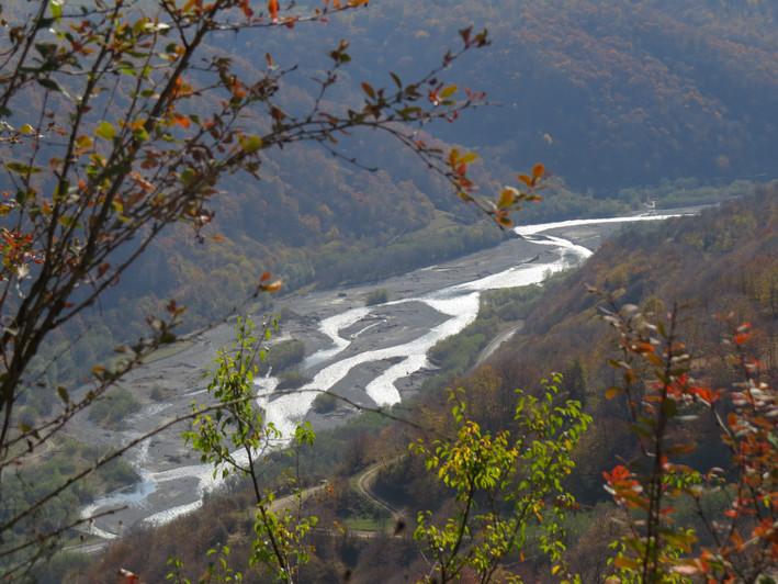 Вид на реку Теберда.