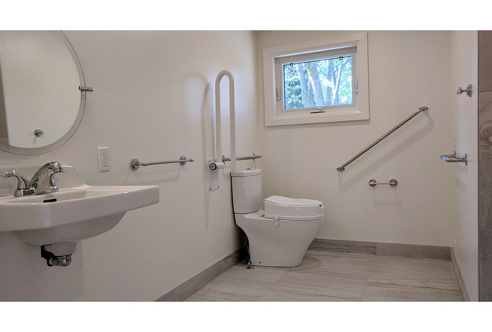 138-Arthur-Bathroom-02.jpg