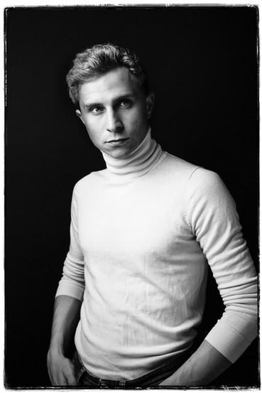 Max Hubacher