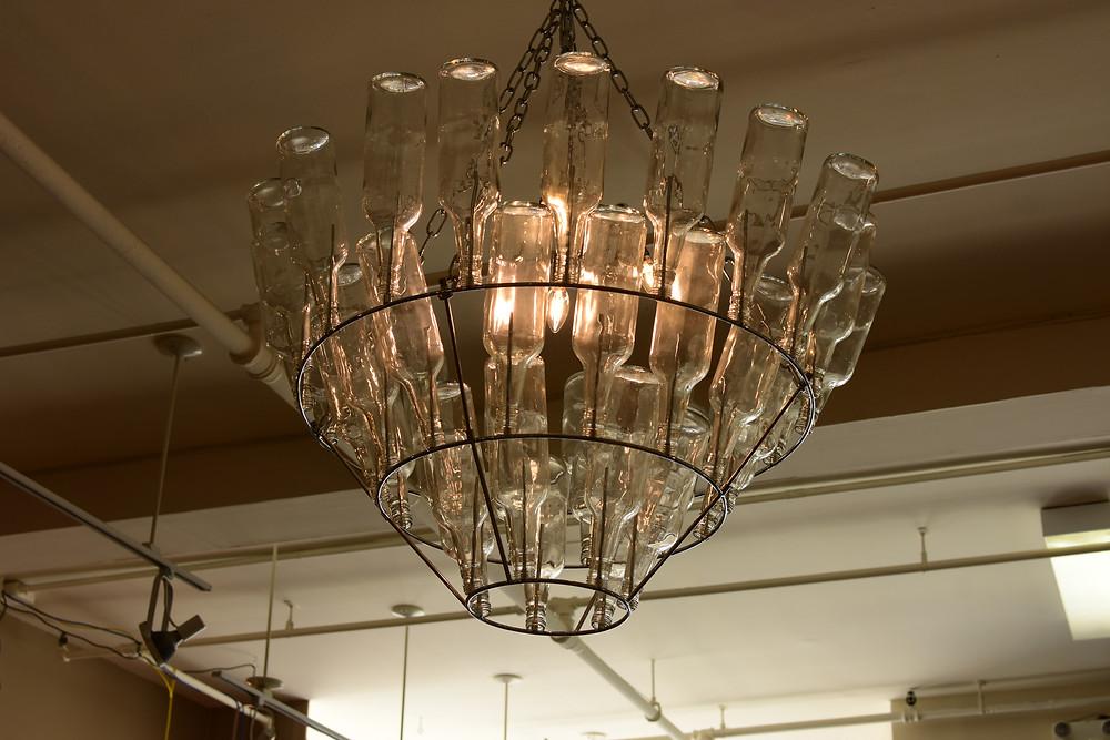 Luminaire très créatif vu dans une boutique