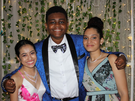 Spring Prom Gives Students an Opportunity to Share a Wonderful Evening