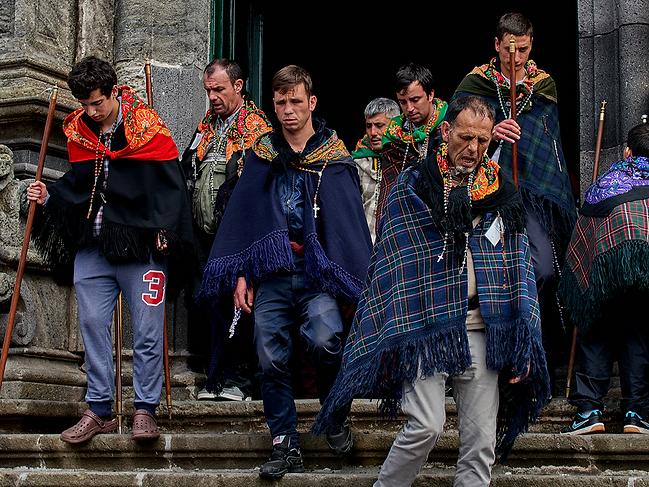 Azorean men of São Miguel on their yearly pilgrimage