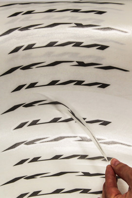 etiquettes adhesives lettring
