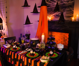 PartyCity_Witch_Halloween2020_2.jpg