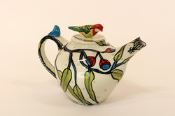 teapot_with_eastern_rosella