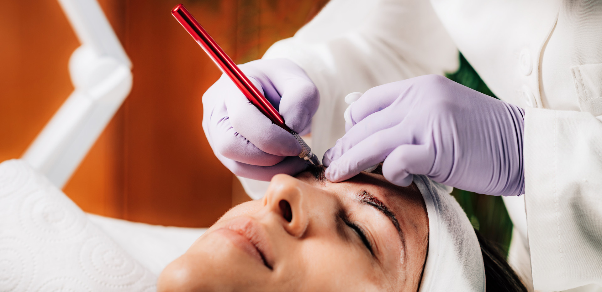 professional-microblading-of-eyebrows-7X
