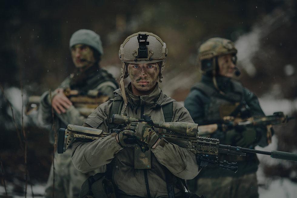 Army%20Soldiers_edited.jpg