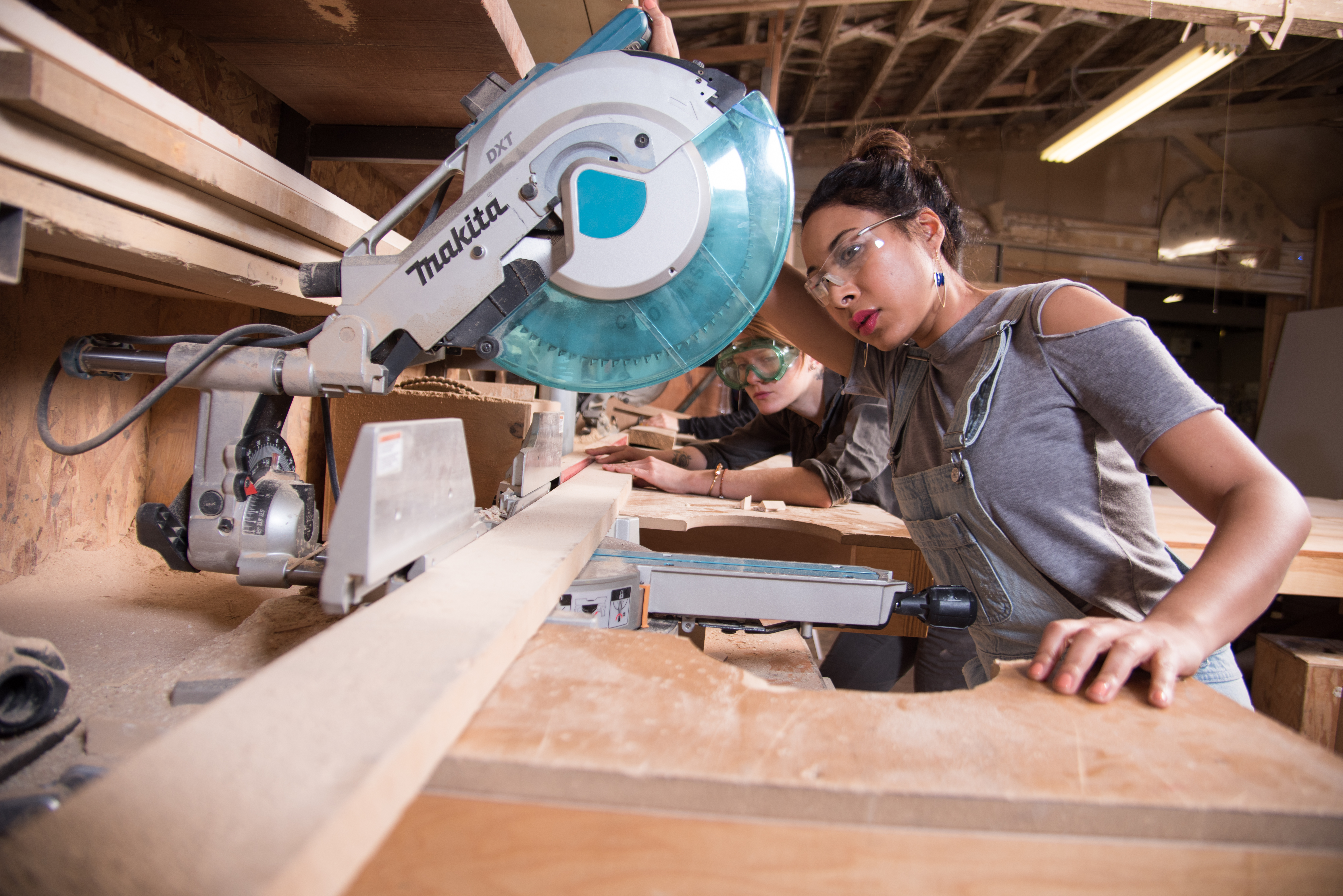 Womanufacture Sawing