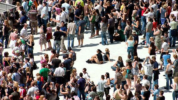 17206646508363812-ethnography-crowd-960p