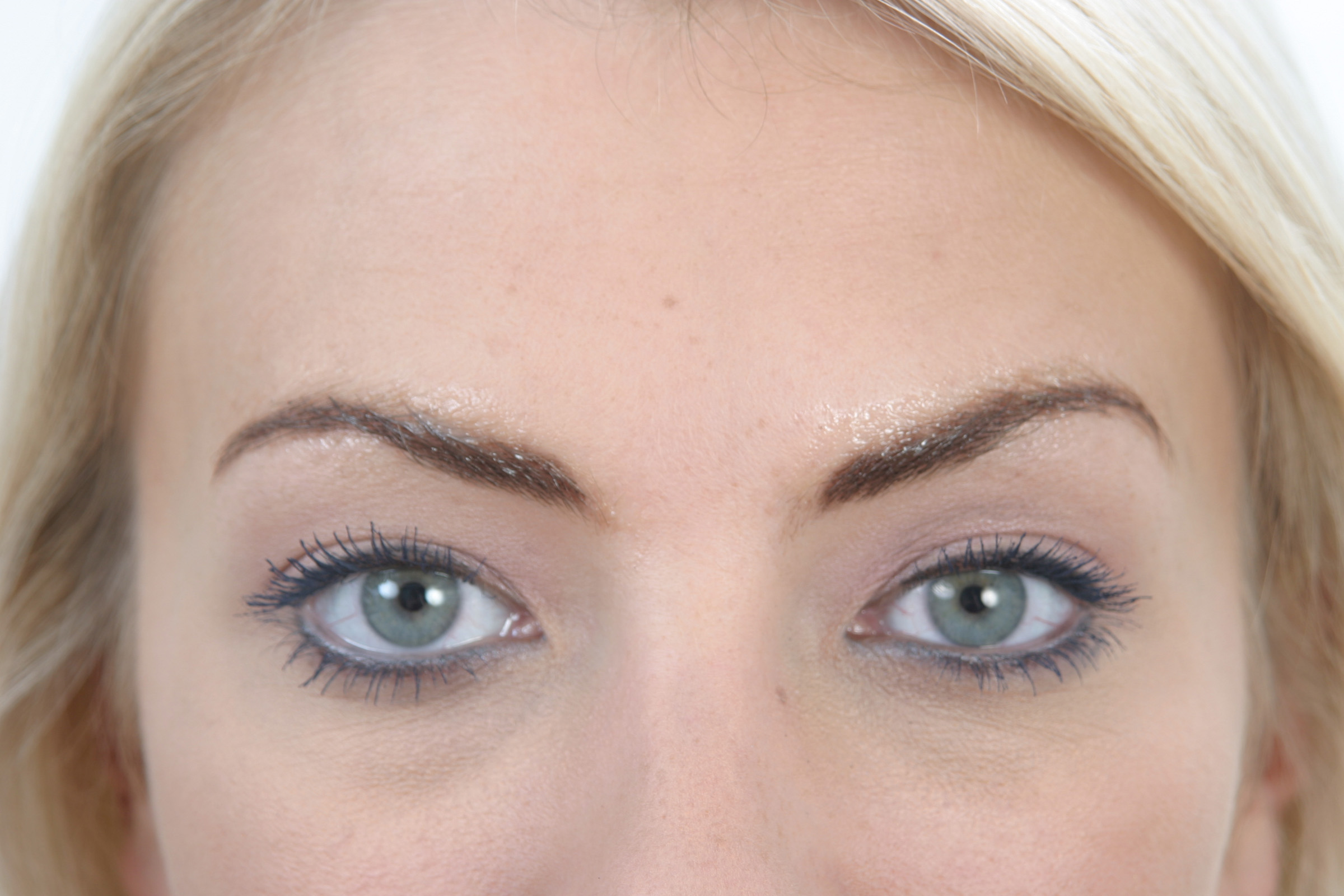 Semi Permanent Make Eyebrows