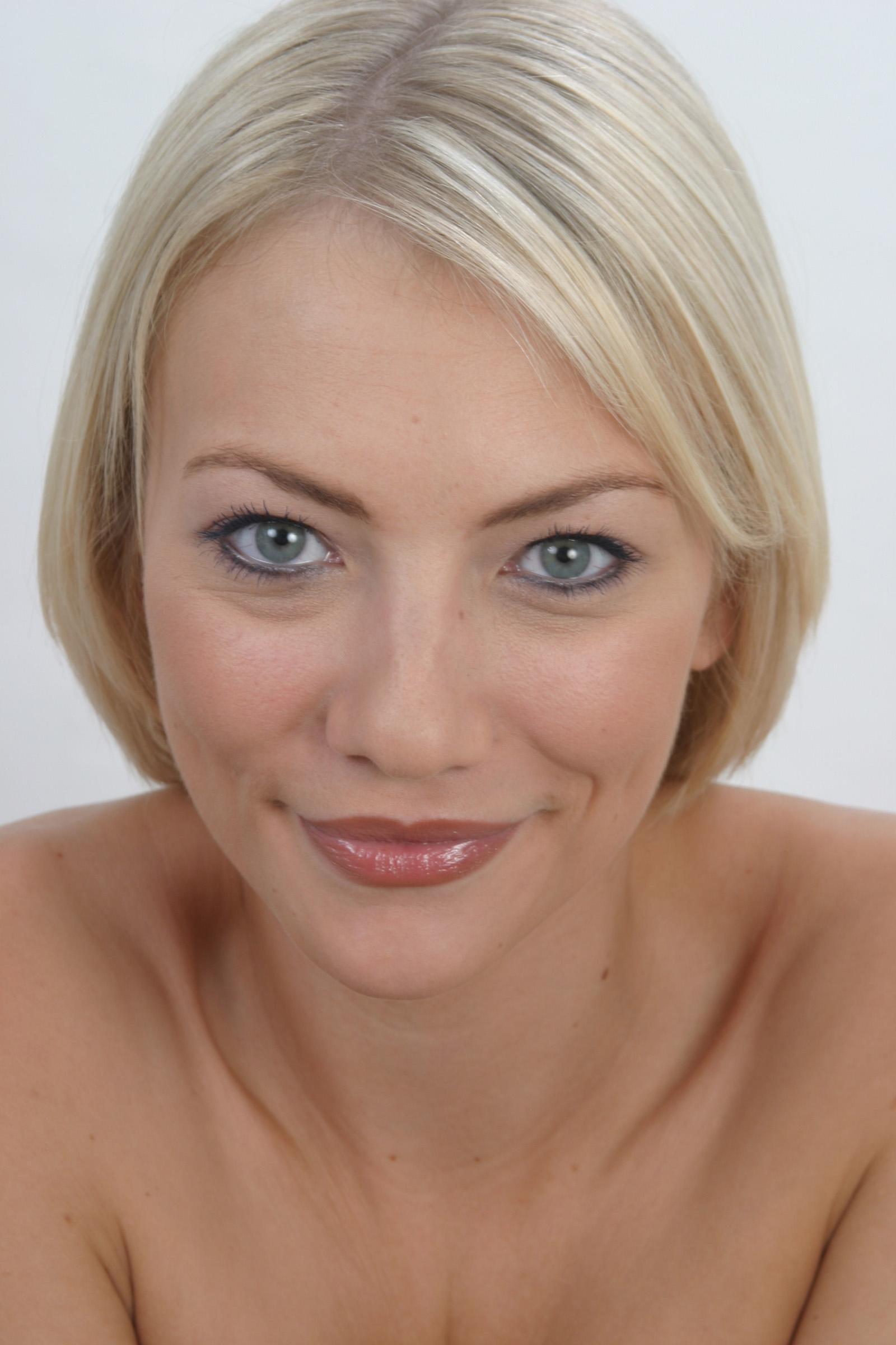 Semi Permanent Lipstick