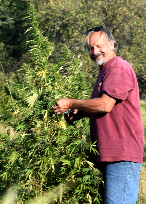 Bob-in-Wisco-Harves-10-5-crop-500pix