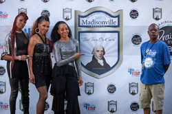 En Vogue Step and Repeat 300