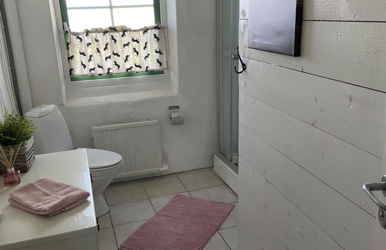 När man grisar ner sig i Grisstian är det bra med tillgång till egen dusch.