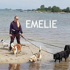 Emelie är hundskötare och utbildad djurvårdare.   Emelie är uppvuxen med hund och har ägt två egna.