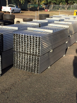 Stackable Aluminium Posts