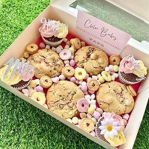 cookie and cupcake treat box