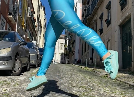 Rebel in Turquoise Leggings