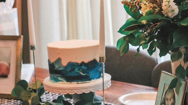 8 in cake with blue marble $65