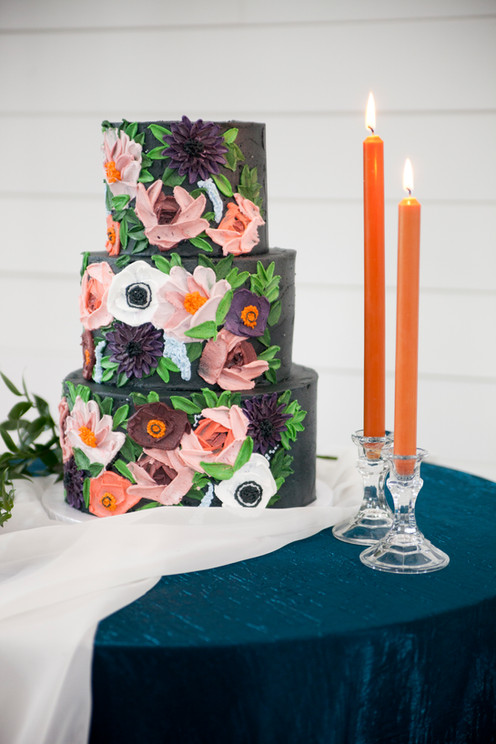 hand painted floral cake