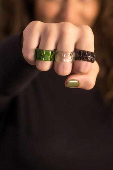 Imagem dos anéis de garrafa da Designer Bela Aiache.