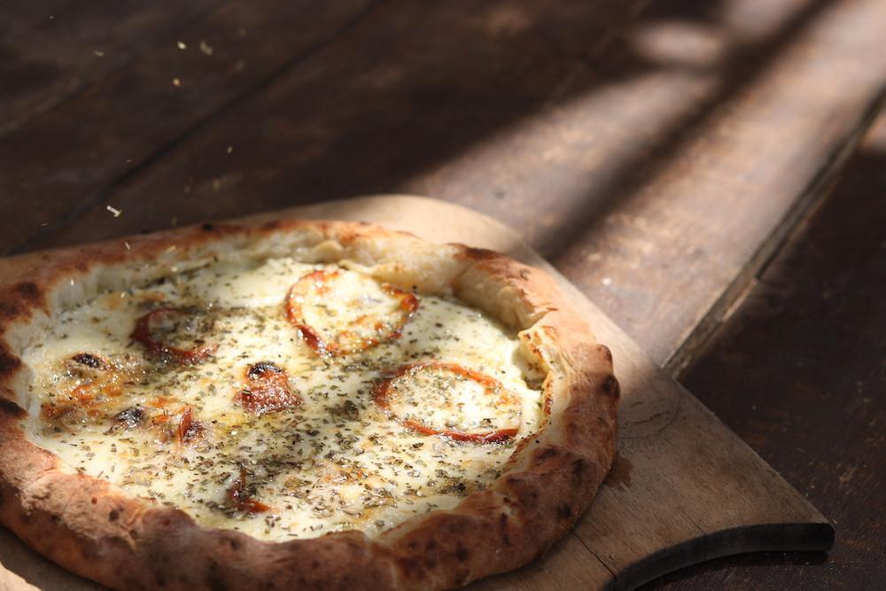 Cinque Formaggi pizza