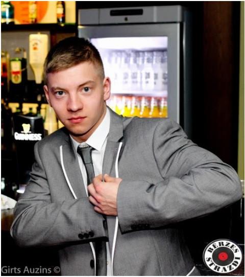 21 gadu vecs uzņēmējs Anglijā