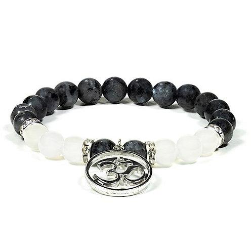 DL12609 Bracelet Labradorite / Agate blanche avec om
